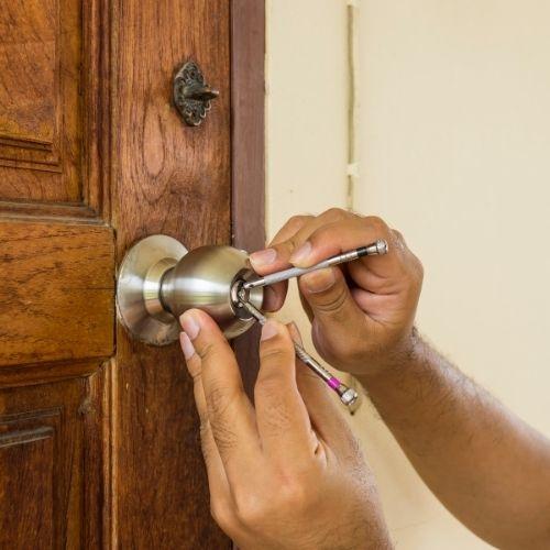Emergency locksmith in Kansas City
